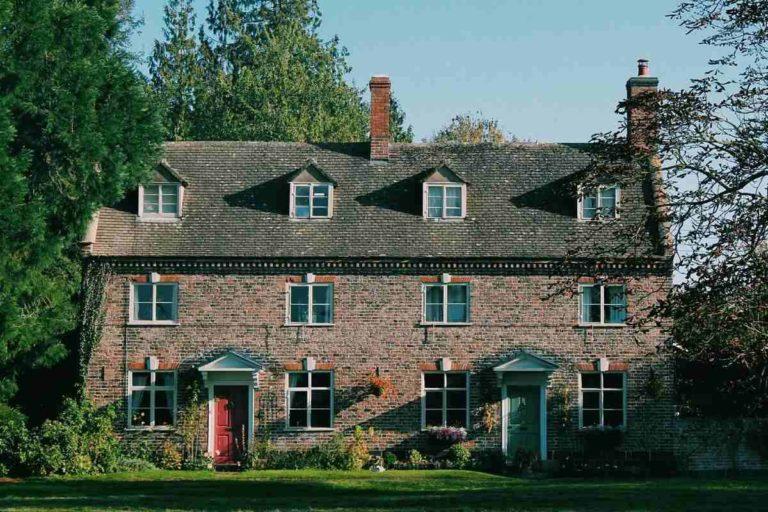 maison ancienne en pierres