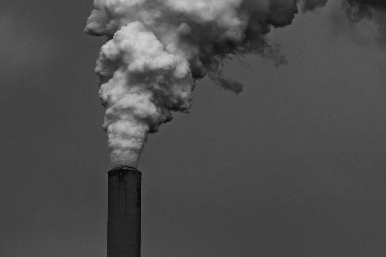 cheminée fumée pollution