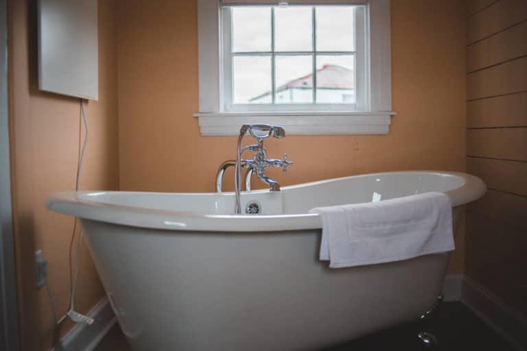 entretien chauffe-eau électrique baignoire