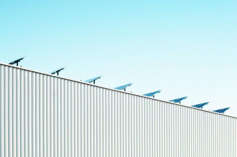 panneaux solaires en kit sur toit